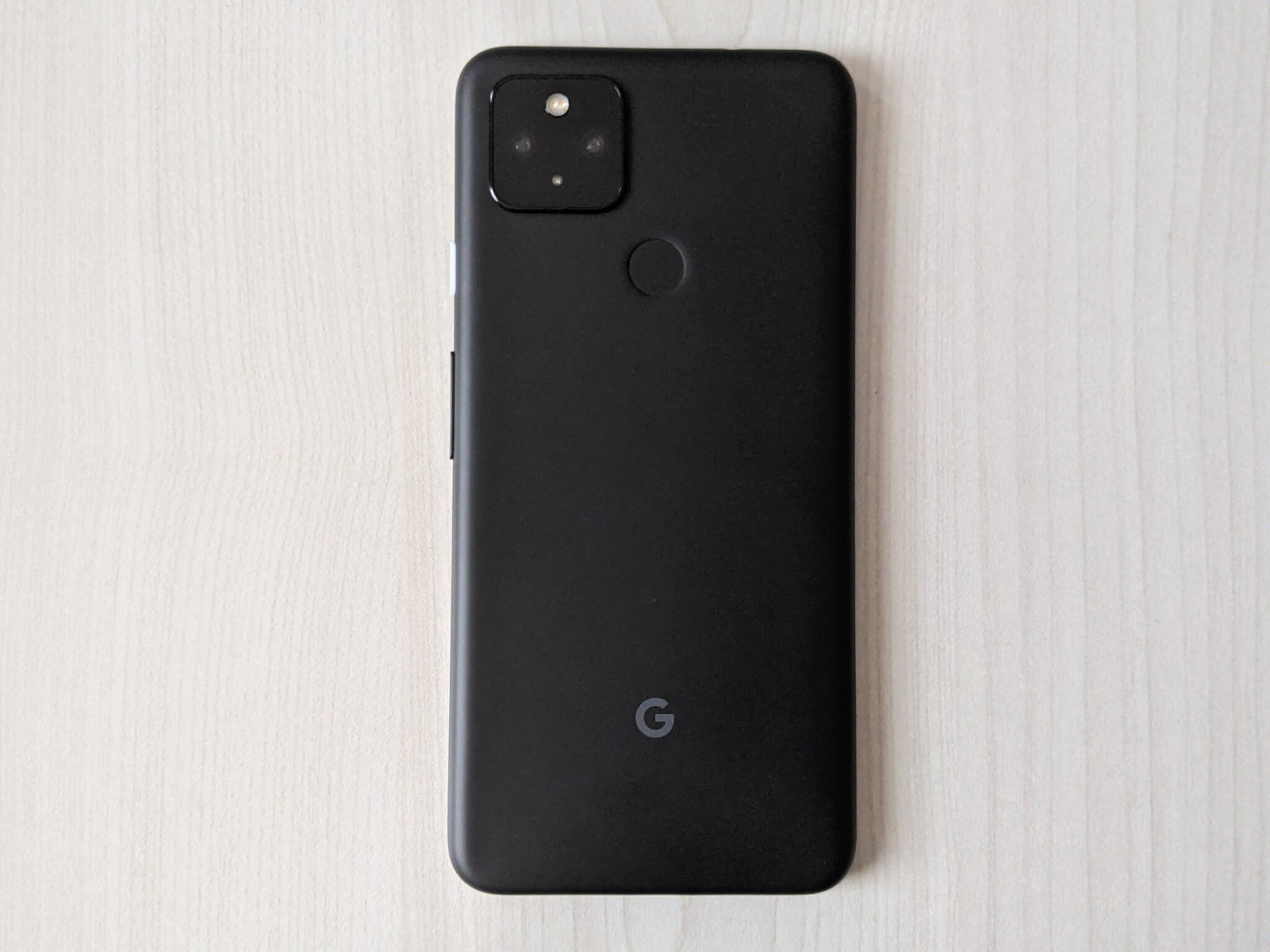 Pixel4a(5G)のスマホ